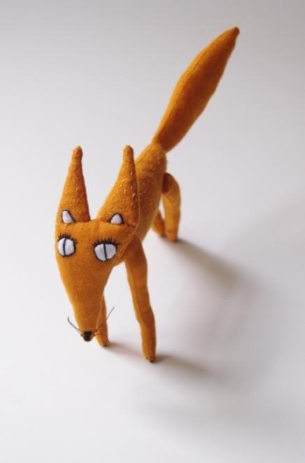 Маленькие лисы, размером 20 см
