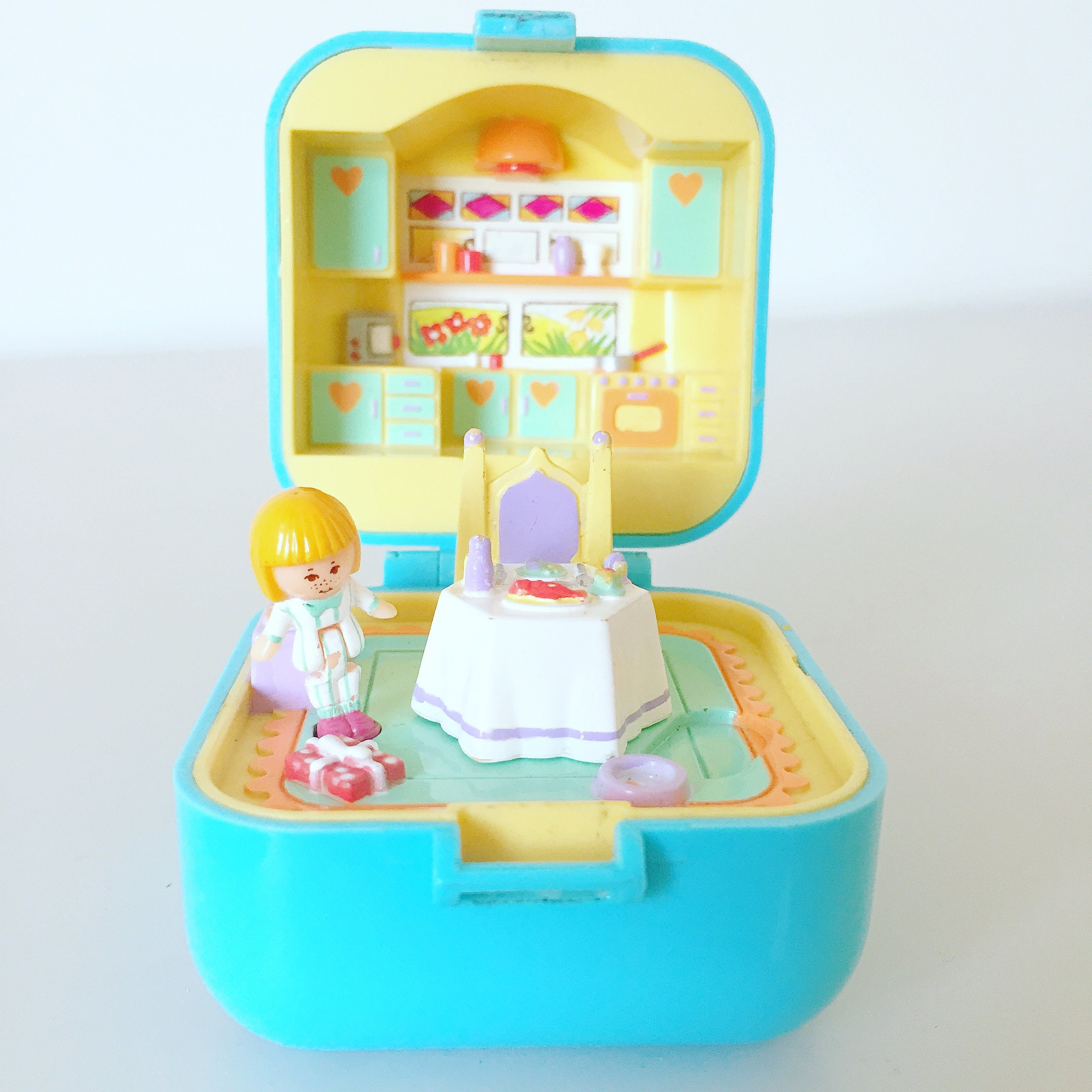 Rare 1991 Polly Pocket  Dinnertime Ring and Ring Case  Turquoise  Blue Square  Vintage  Kitchen