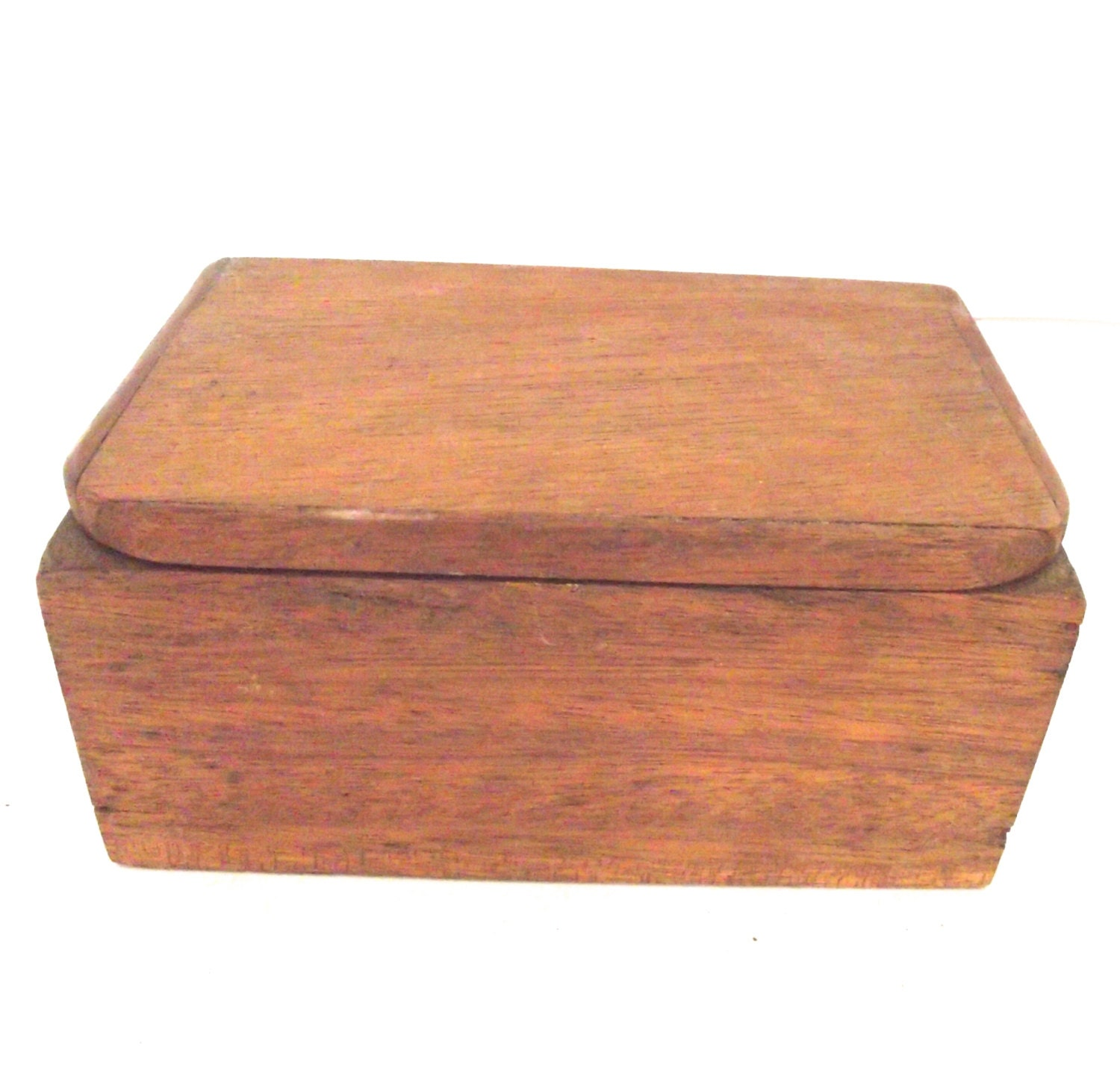 how to make a wooden box with hinged lid