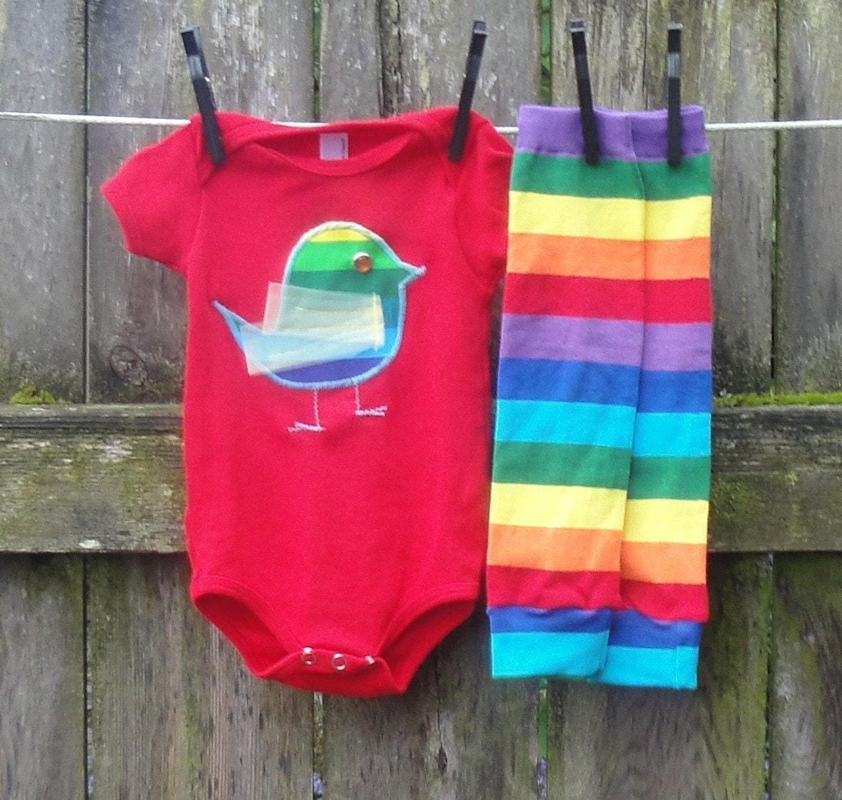 RAINBOW CHIC-A-DEE--2 piece Bird Applique Onesie and Kool Kid Legs Combo--Red, White or Black-Long or Short Sleeve-3/6,6/12,12/18,18/24 mos