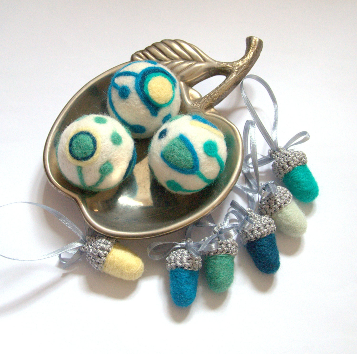 Modern Easter ornaments 12 felted wool acorns 3 balls teal blue green pale yellow winter home decor Weddings favor tree decoration