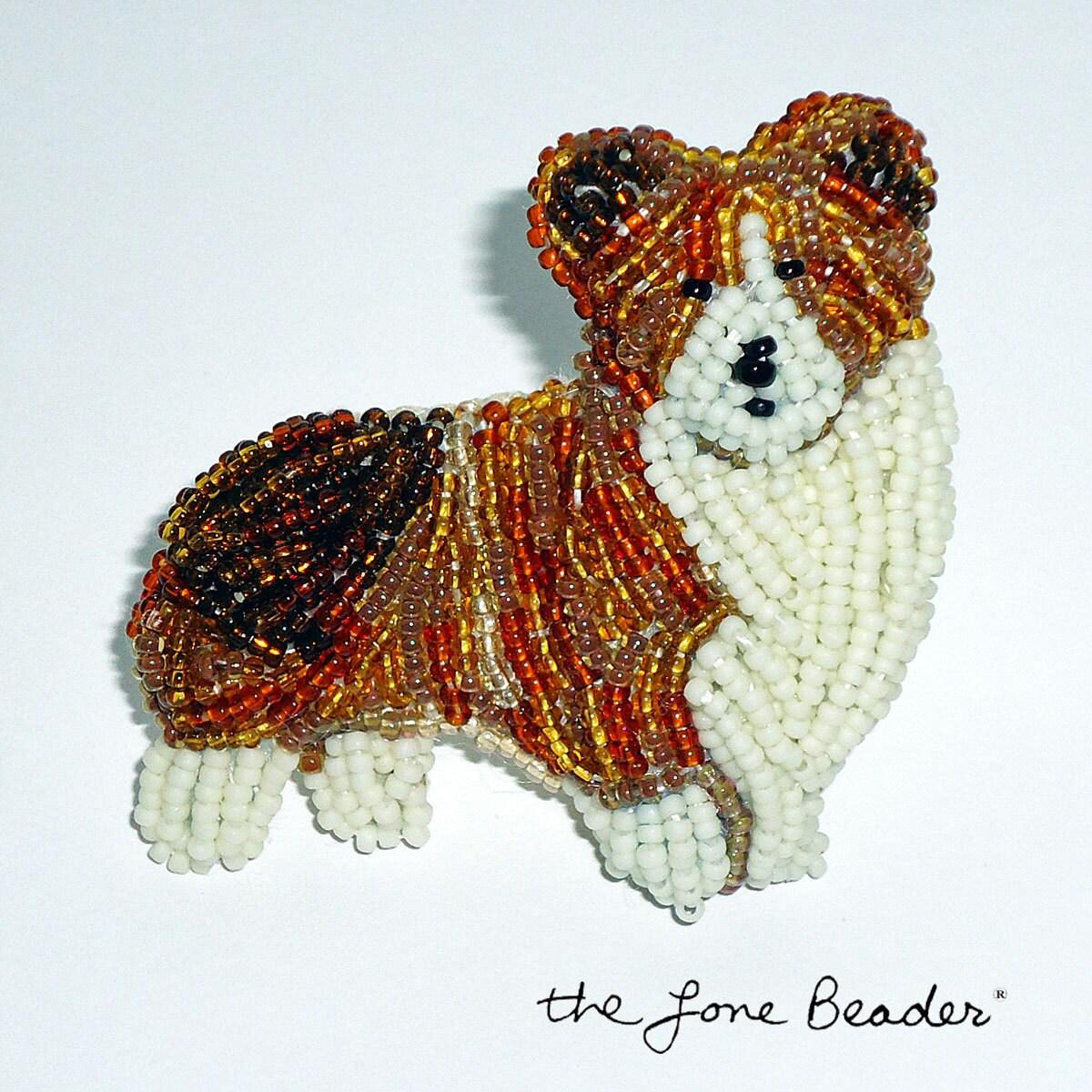 QUEEN CORGI royal beaded dog art pin/ brooch (Made to Order) - thelonebeader