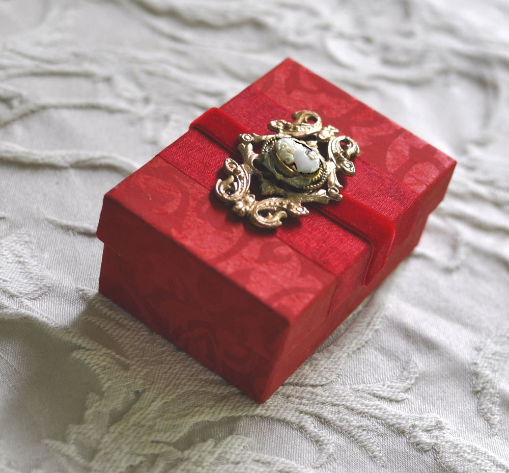 Valentine Elegant Eleanor Treasure Steampunk Maiden Keepsake Goddess Cameo Trinket Box