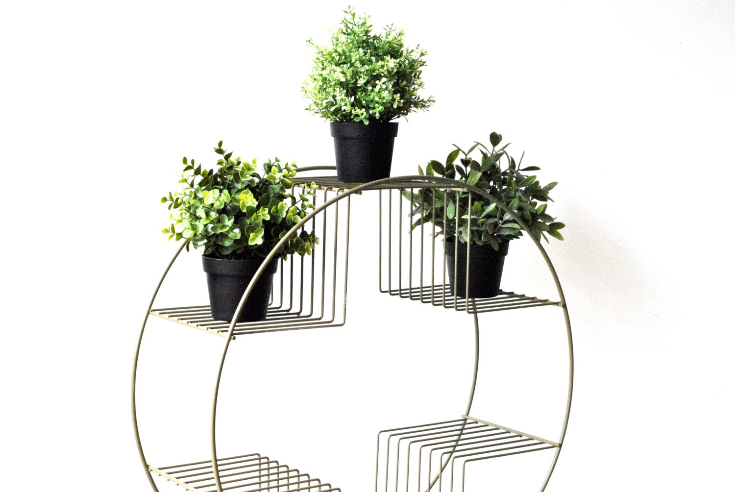 round mid century wire plant stand atomic modern by charliesnest. Black Bedroom Furniture Sets. Home Design Ideas