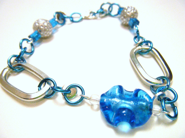Bright Blue Glass Leaf Bracelet - fringeandflourish