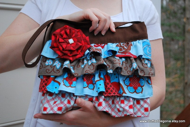 small ruffled hand bag sewing pattern: The Layla Bag with free Pleated Flower Tutorial