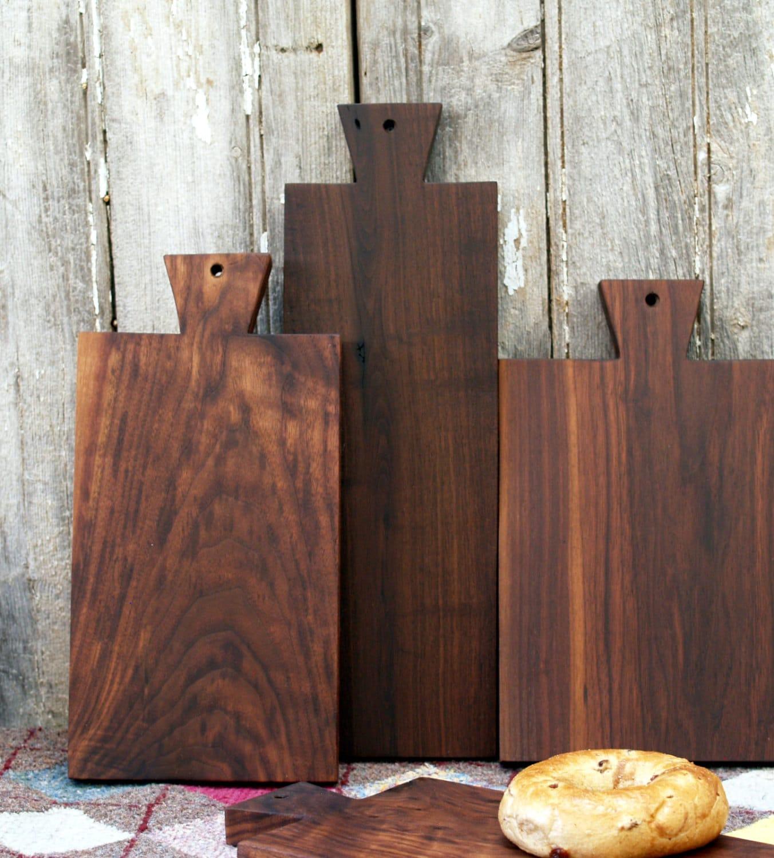 Walnut Serving Board - Bread Board - Cutting Board - eco friendly Kitchen Gift - CattailsWoodwork