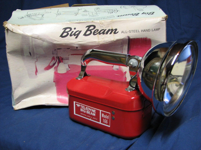 OLD BIG BEAM FLASHLIGHT. -
