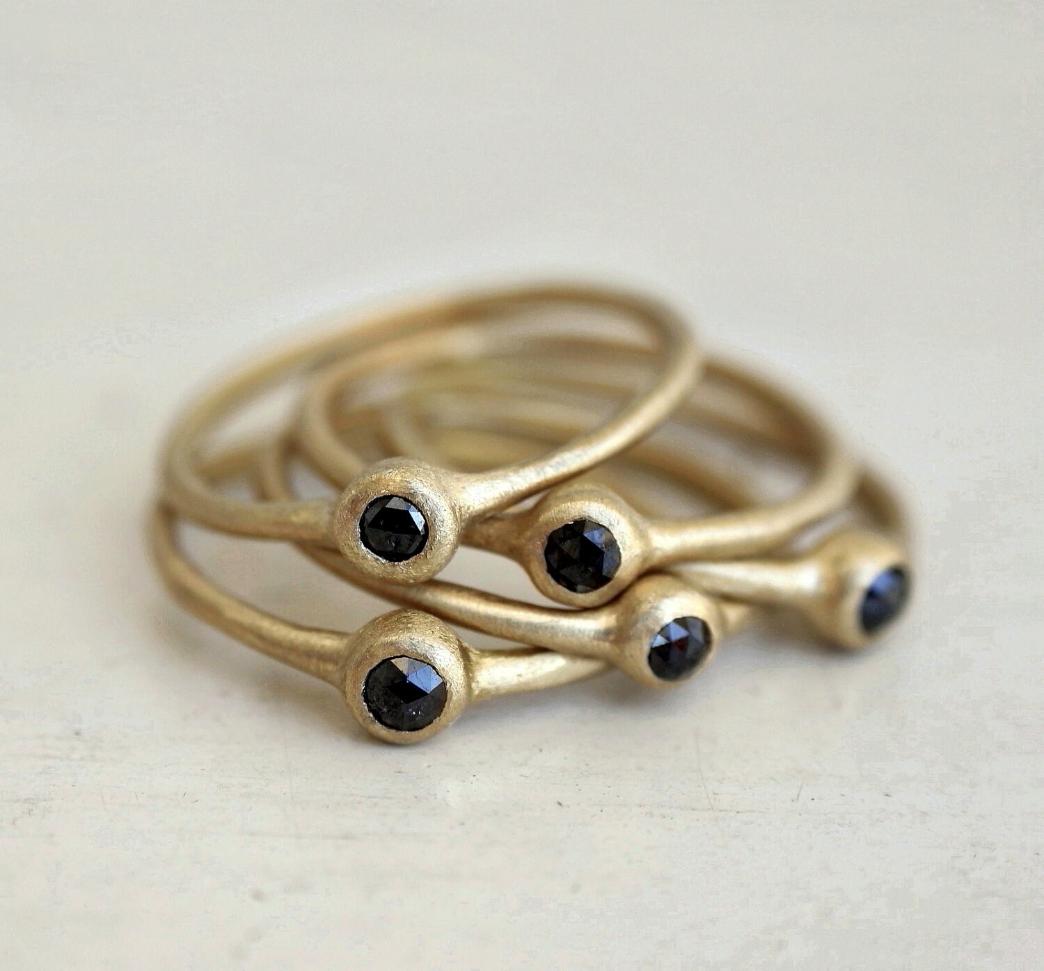 Nestled set of Black rose cut diamond rings. Connect the dots. Odelia. - SundayOwl