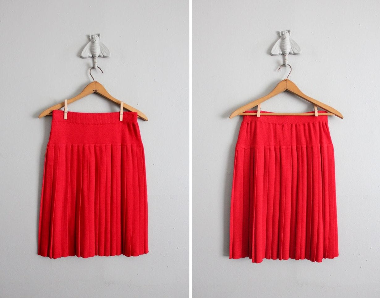 1980s vintage true red knit tennis skirt
