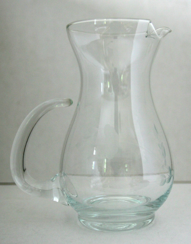 Water jar in addition Im C3 A1genes De Archivo Libres De Regal C3 ADas Zumo De Naranja En Jarra Y Naranjas Image27896309 further Porcelain Water Pitcher Green besides 1096646 besides Suja Sangria. on orange juice pitcher
