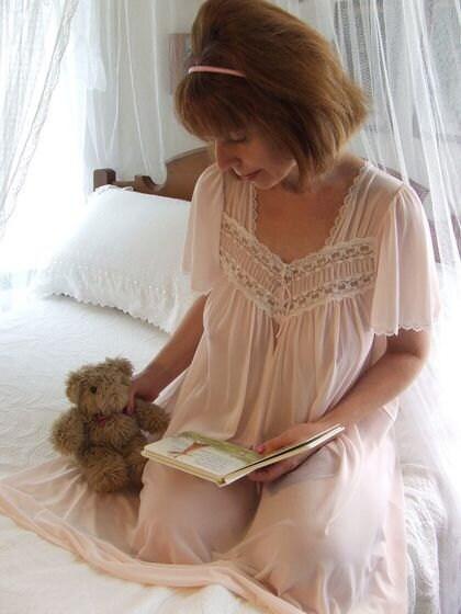 Vanity Fair Nylon Nightgowns Vintage Vanity Fair Small