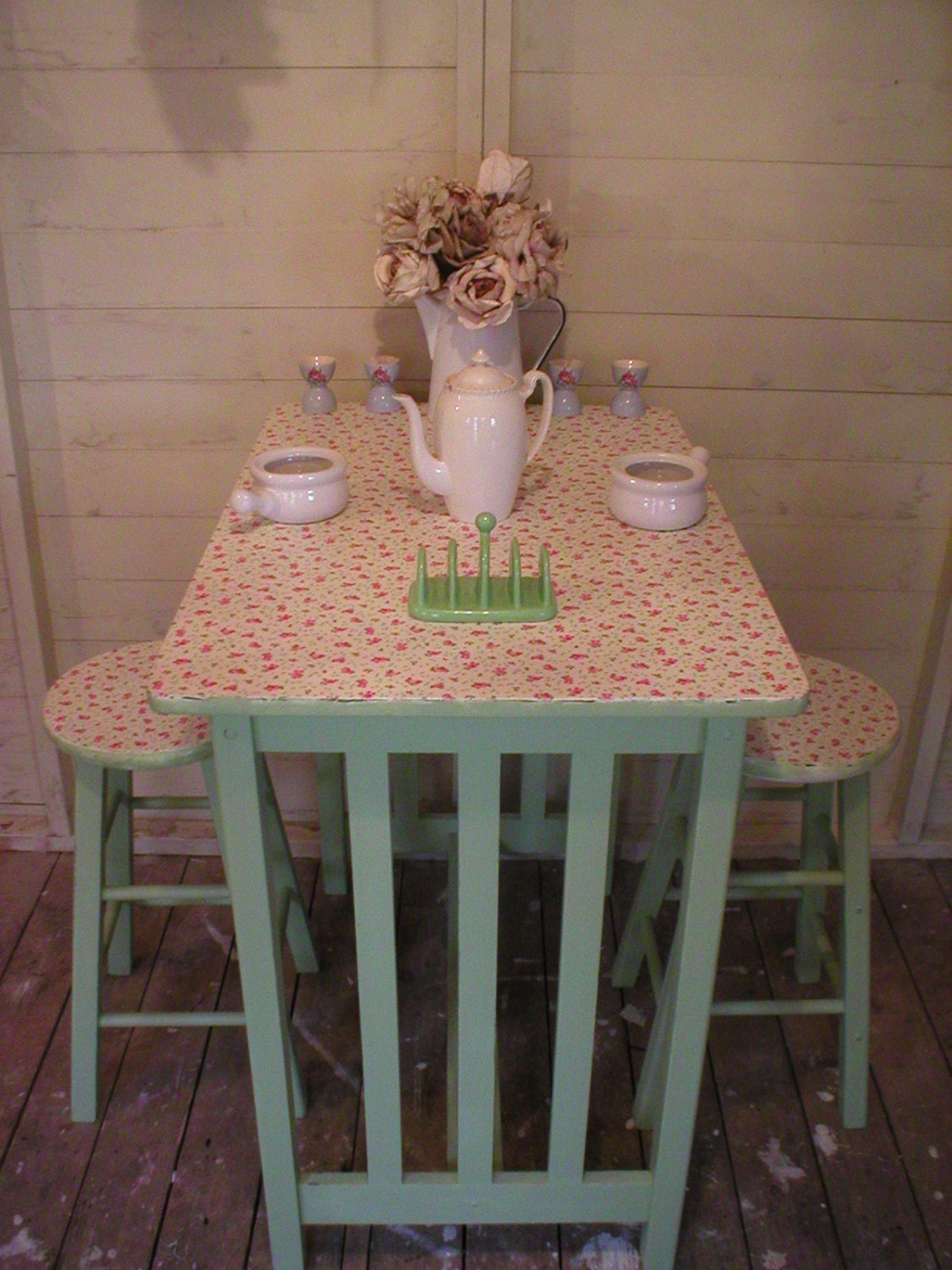 SOLD SOLD Shabby breakfast bar revamped decoupaged dining table kitchen island chairs student small kitchen