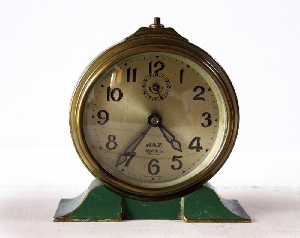 Amazing french jaz brass desk alarm clock green by for Amazing alarm clocks