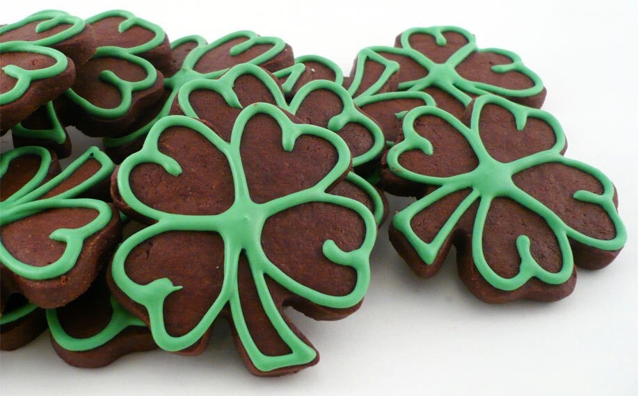 Decorated Cookies - Green Outlined Chocolate Shamrocks
