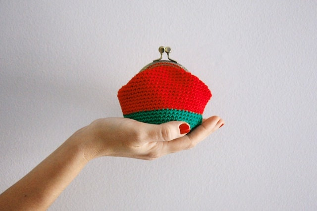 Crochet coin purse, the Christmas Keeper, in red and green - polixeni19