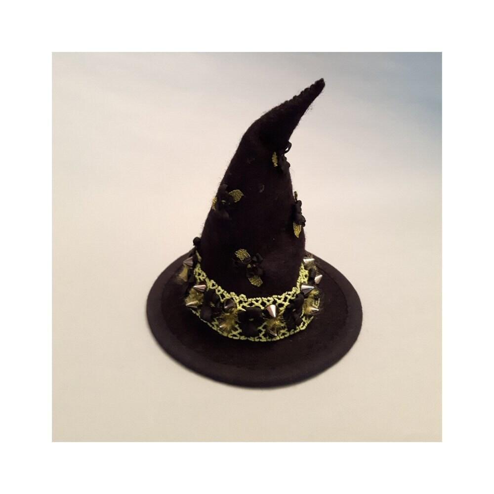 BlythePullipFrightfully Tall Monster High mini Shabbychicpunk witchs hat