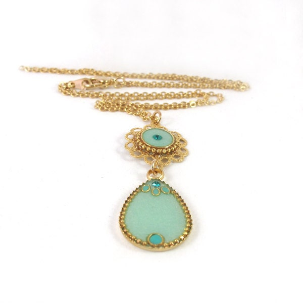 Gold  necklace -- Drops  light green resin , lacy flower