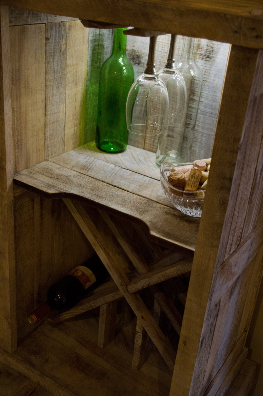 paleta de madera de roble reciclado, estante del vino