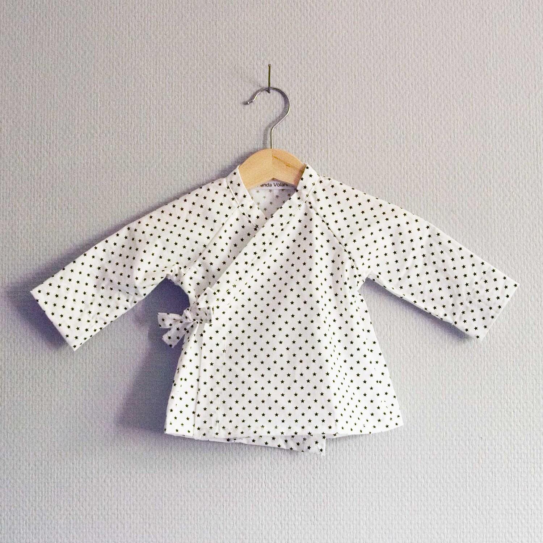 Kimono bb cachecoeur tunique haut tshirt noir et blanc enfant imprim petites toiles minimaliste mignon simple joli