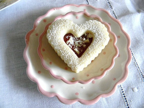 Raspberry White Chocolate Linzer Shortbread Hearts Cookie Giftbox ...