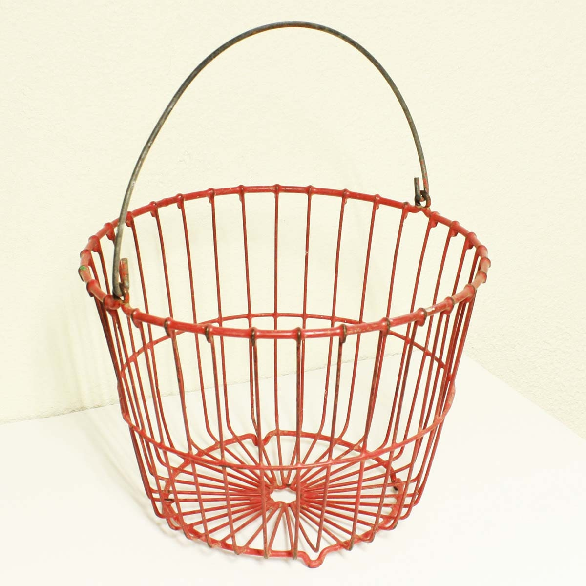 Vintage metal wire basket egg basket red round by  : il570xN246758737 from www.etsy.com size 570 x 570 jpeg 70kB