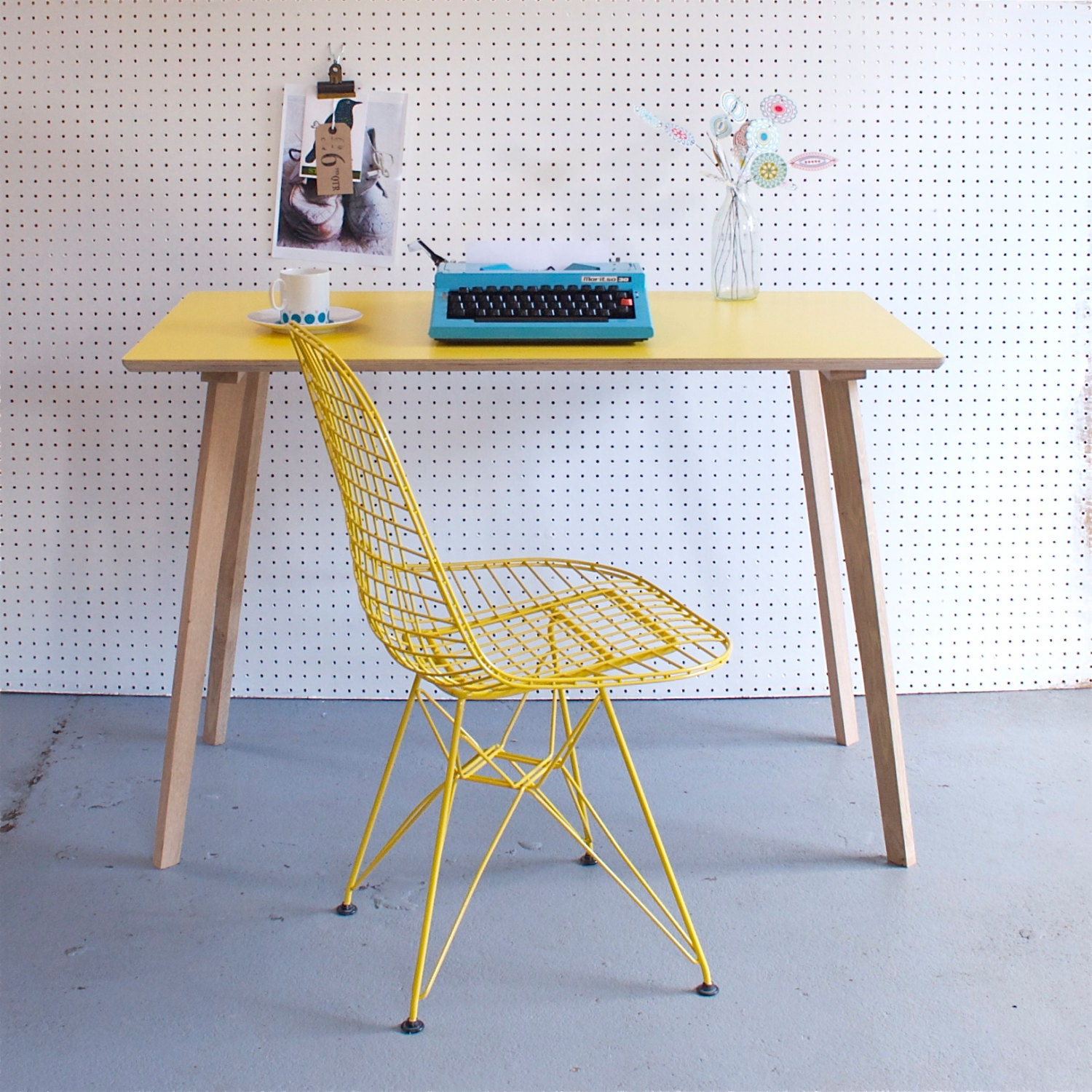 Perky formica table desk in yellow etsy finds for Table formica