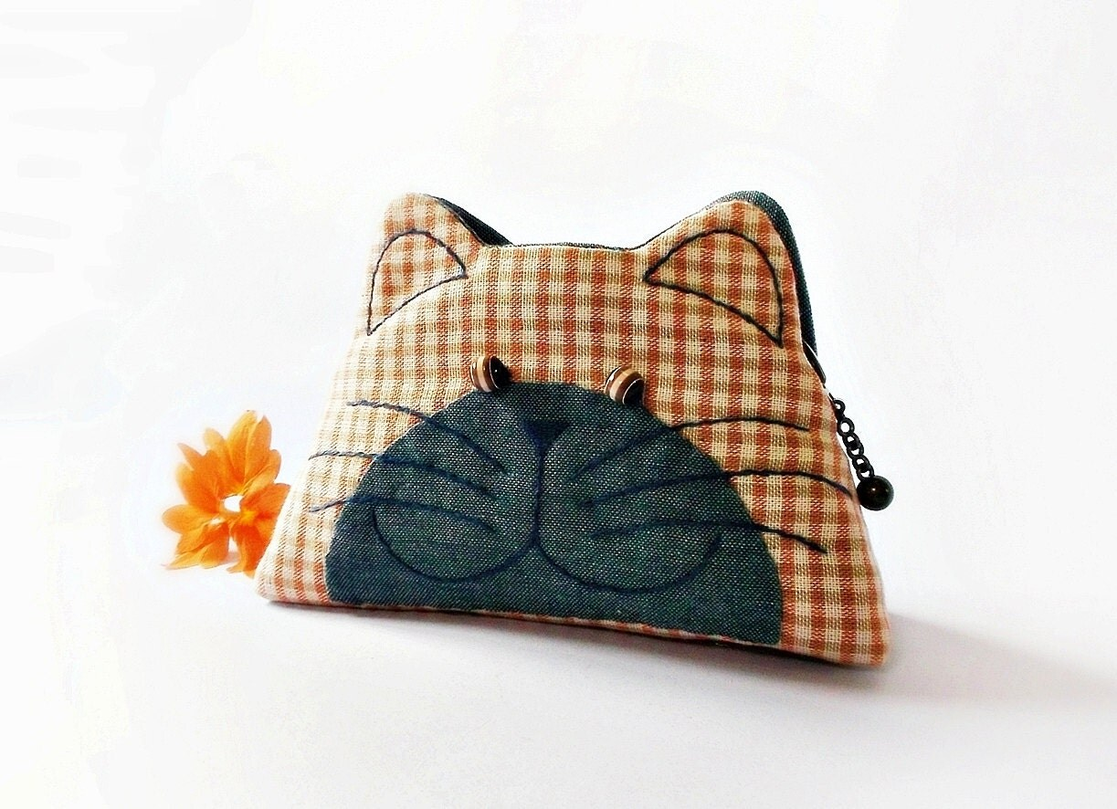 Cat purse / Cat zipper purse / Cat coin purse / Hand embroidery / Gift bag / Small bag zippered - Made to order - DooDesign