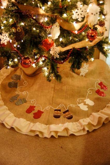 christmas tree skirt, tree skirt, holiday skirt, holiday tree skirt, unique tree skirt, handmade tree skirt, one of a kind tree skirt, festive tree skirt