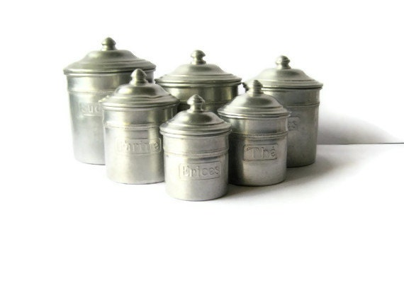 French aluminum spice canisters vintage metal by ouiinfrance for Retro kitchen set of 6 spice tins