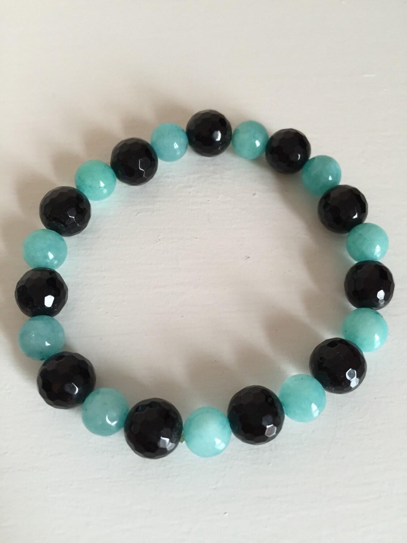 Quartzite and Black Agate Bracelet