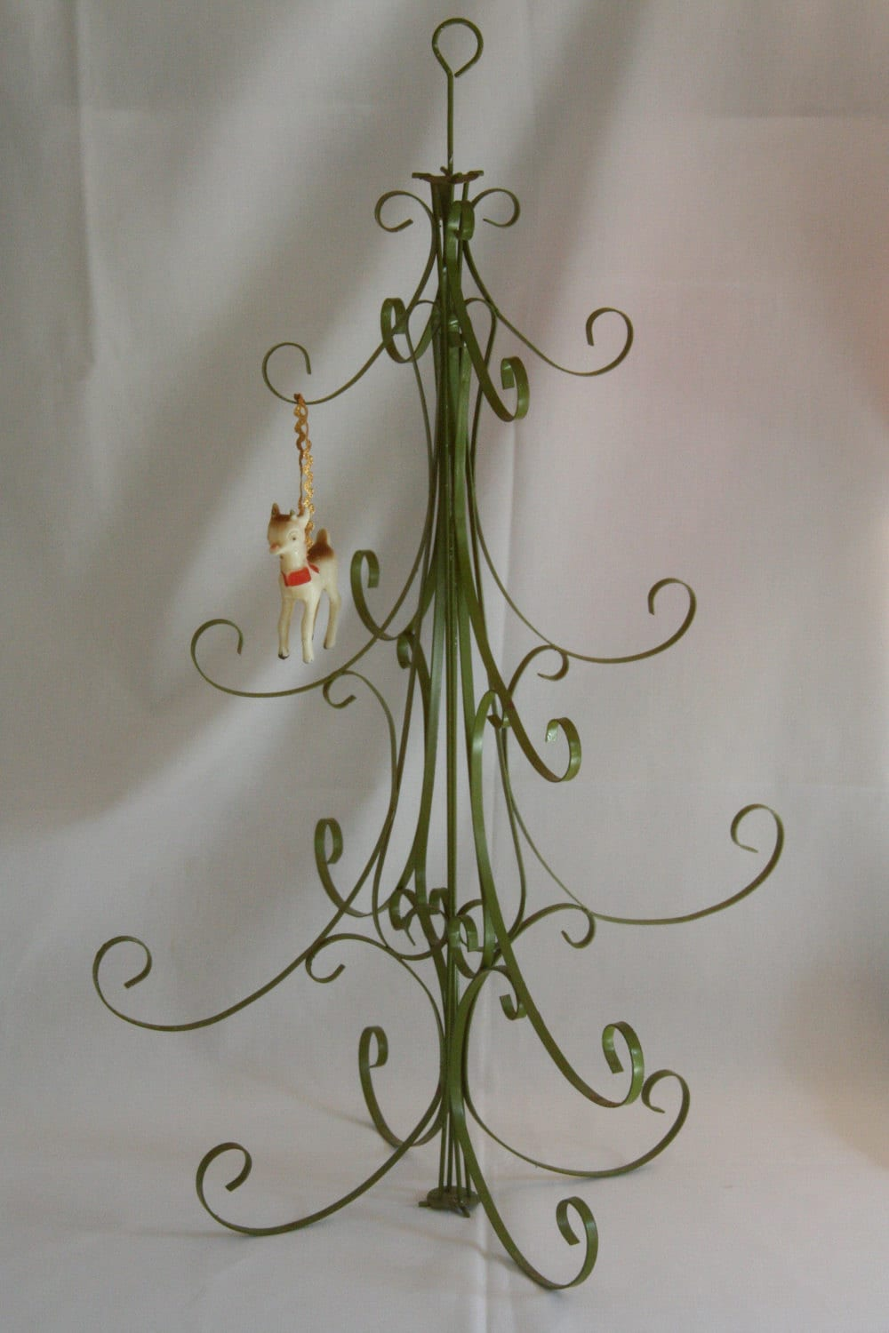 Metal Christmas Tree Ornament Holder
