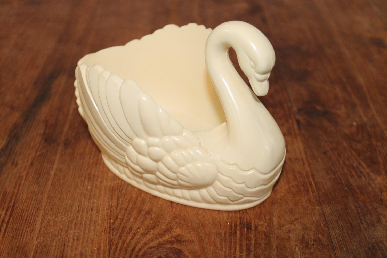Vintage regaline plastic ivory swan planter by southernvintagega - Plastic swan planter ...