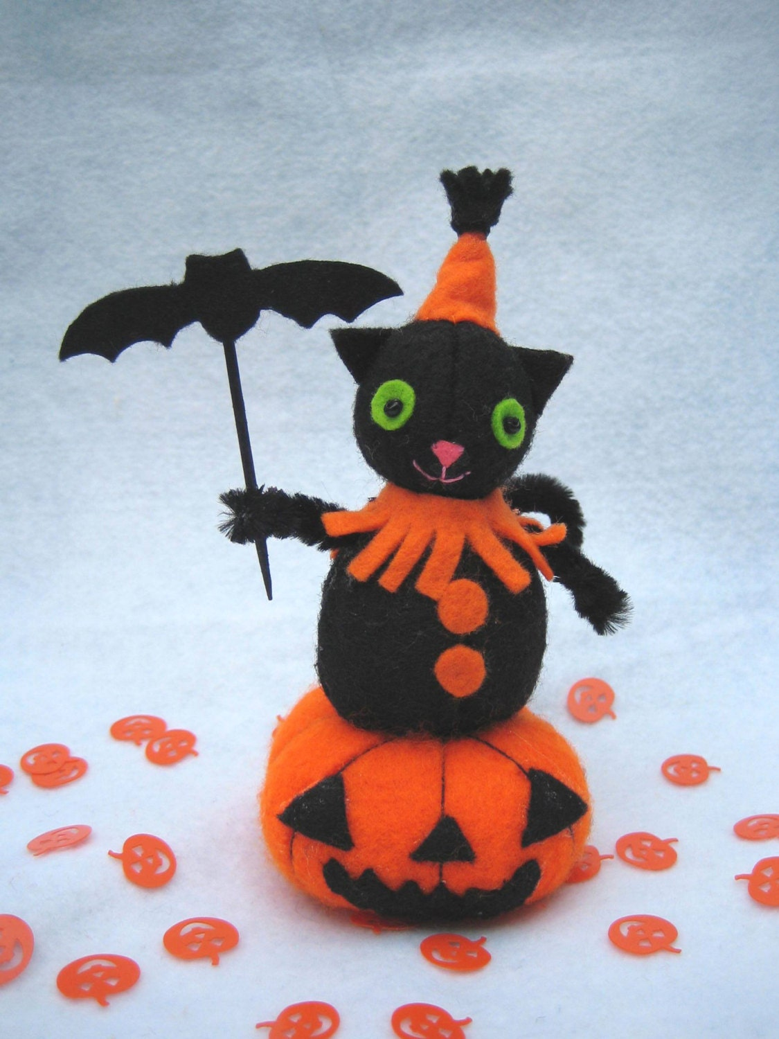 Halloween cat with a bat sitting on a pumpkin, nice halloween decor item, felt ornament, halloween pincushion - RALOOLAND