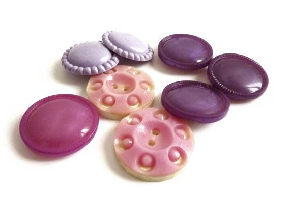 8 Vintage Buttons, Pink & Purple Mix Set Buttons - CelessaBazaar
