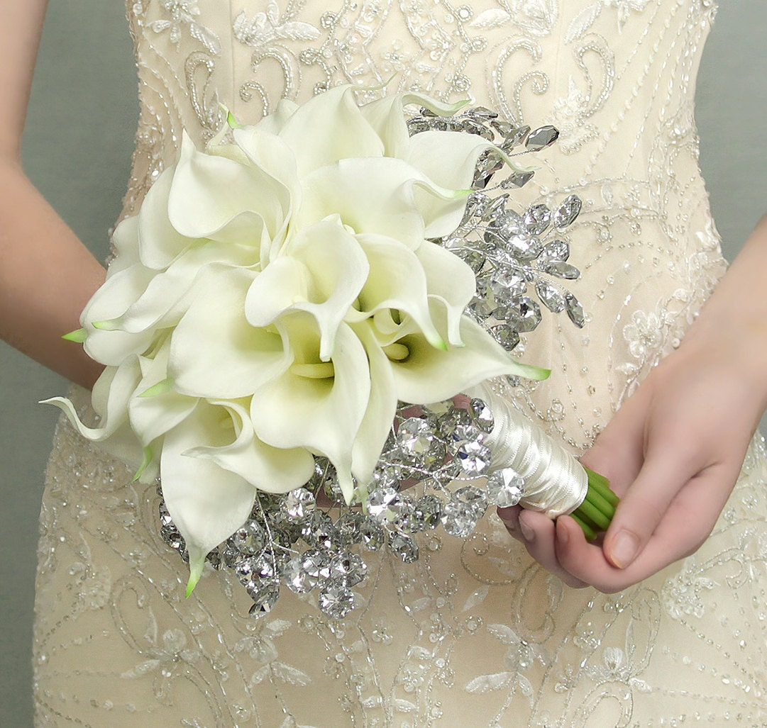 Popular items for lily bridal bouquet on Etsy