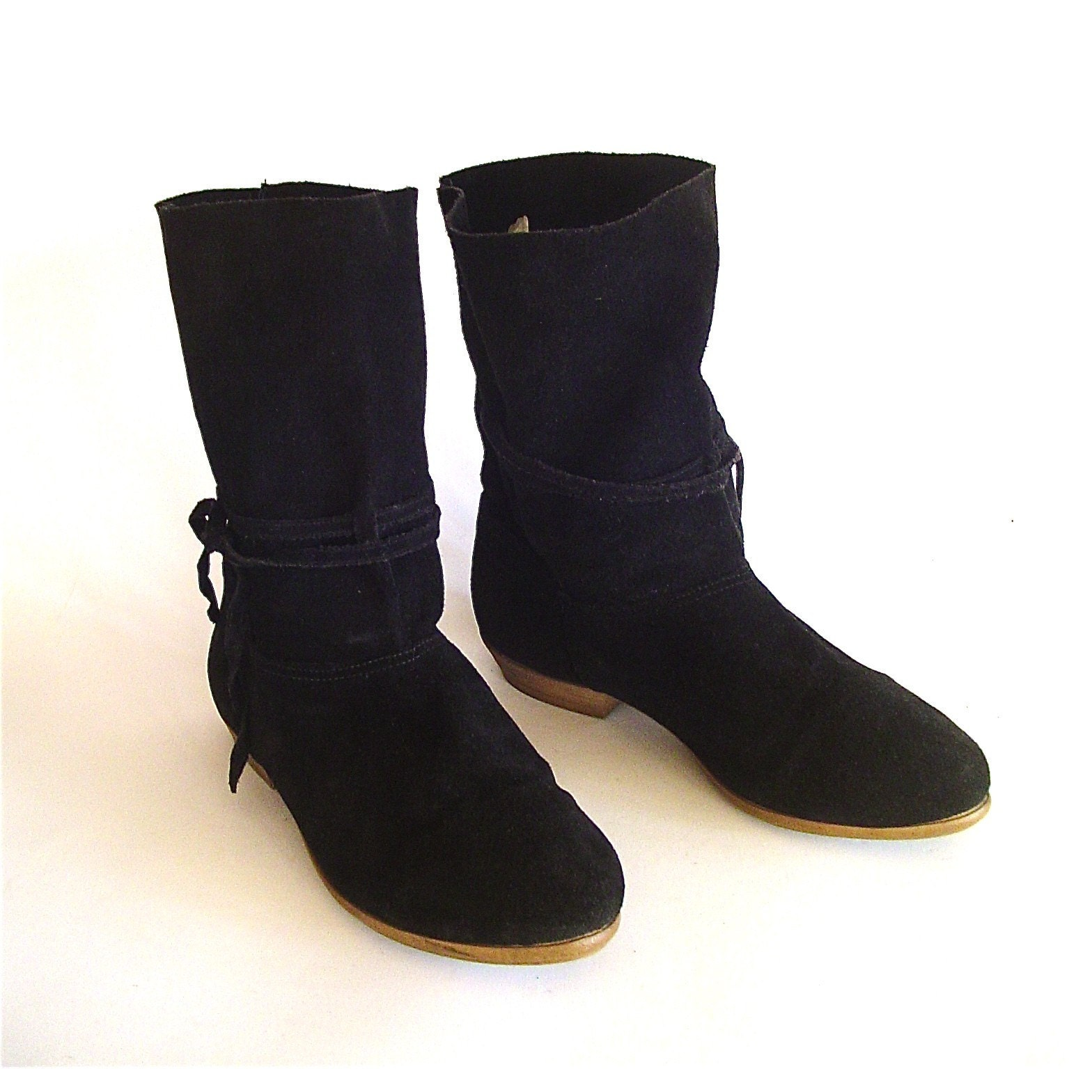 vintage slouchy black suede boots by skinnyandbernie on etsy