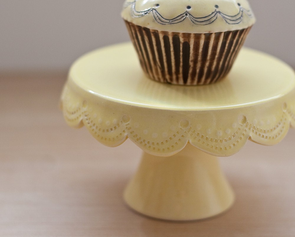 Cupcake Stand SALE - Stitch - Yellow