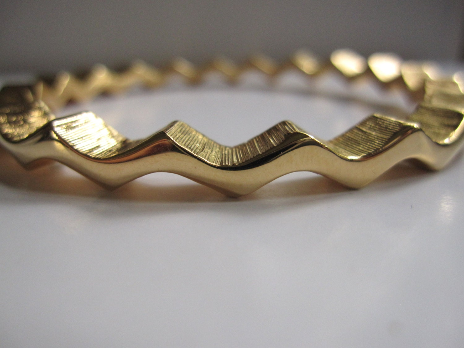 Vintage Estate Kenneth Jay Lane Signed Gold Tone Zigzag Chevron Geometric Tribal Zig Zag Bangle Bracelet - BandBEstate