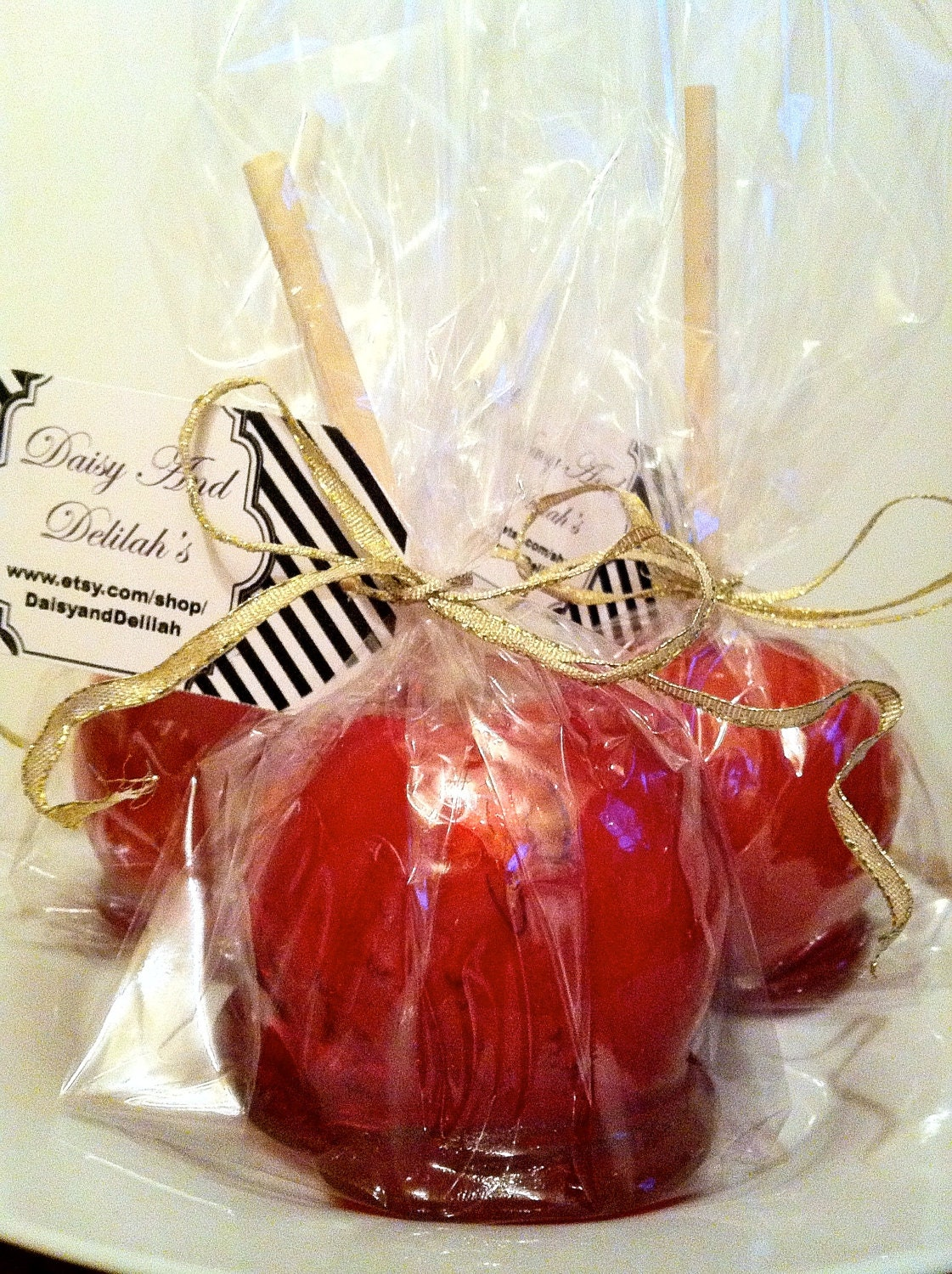 Items similar to 100 candy apple wedding favors shipping for Candy apple wedding favors