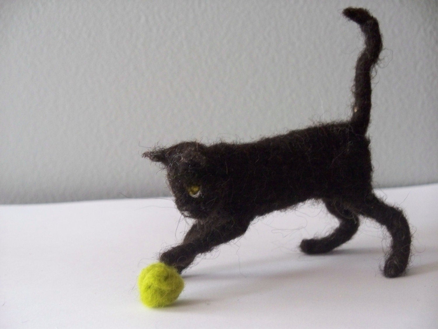 Needle Felted Black Cat with ball - woolinlegends