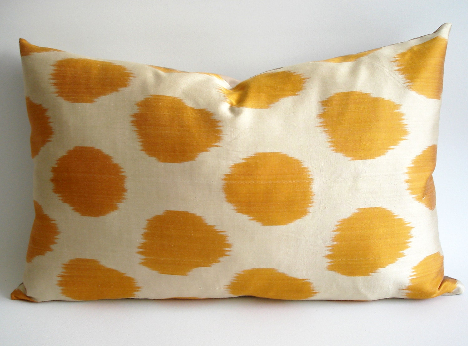Sukan / Decorative Ikat Throw Pillow Cover, Accent Pillow, Decorative Cushion, Decorative Ikat Throw Pillow Cover, Yellow, Ivory Color