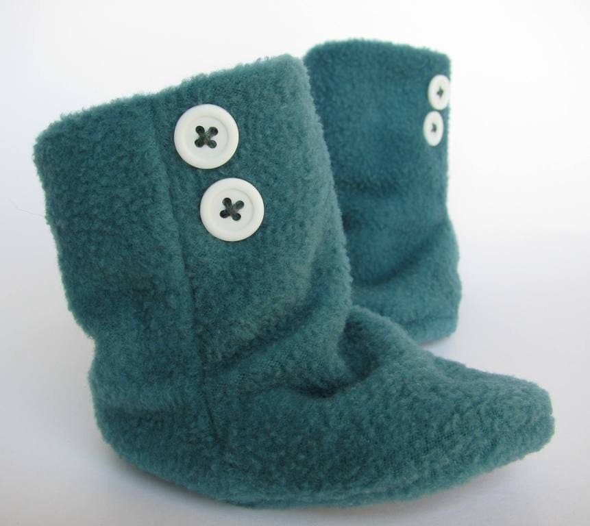 Aqua and blue fleece baby booties by handmadetherapy on etsy