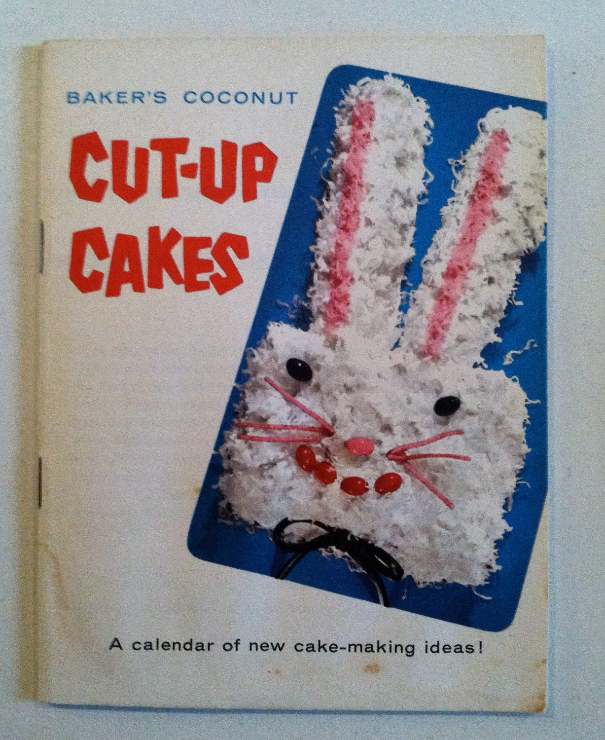 Bakers Cut Up Cakes