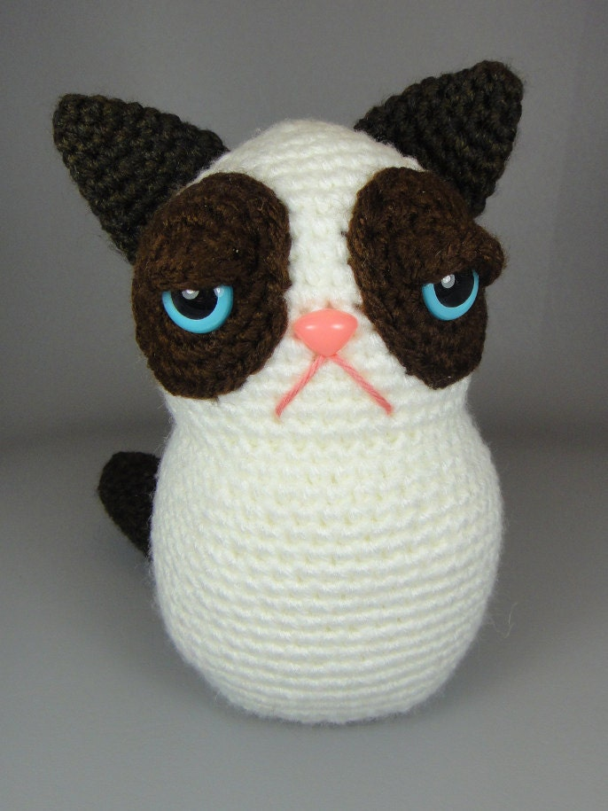 Amigurumi Askina Etsy : Grumpy Kitty PDF amigurumi crochet pattern by edafedd on Etsy