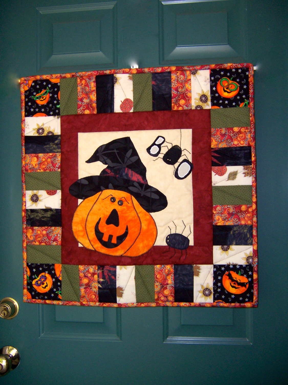 Halloween Wall or Door Hanging by stitchingknitting on Etsy ~ 230255_Halloween Door Hanging