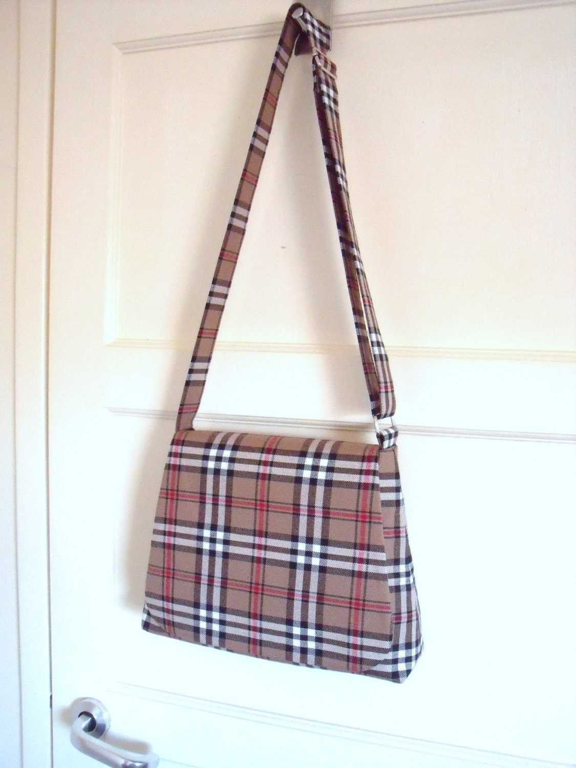 Tartan Messenger Bag in Caramel  Beige Black White  Red  Cross body Shoulder Bag Plaid Purse  kilt pin brooch  Handmade in Scotland
