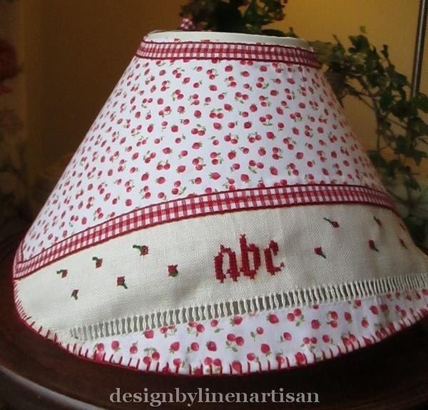 Lampshade in cotton and cross-stitch