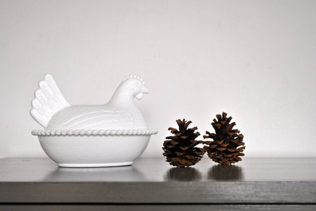 White Milk Glass Turkey Dish - Covered Bowl - Thanksgiving - charliesnest