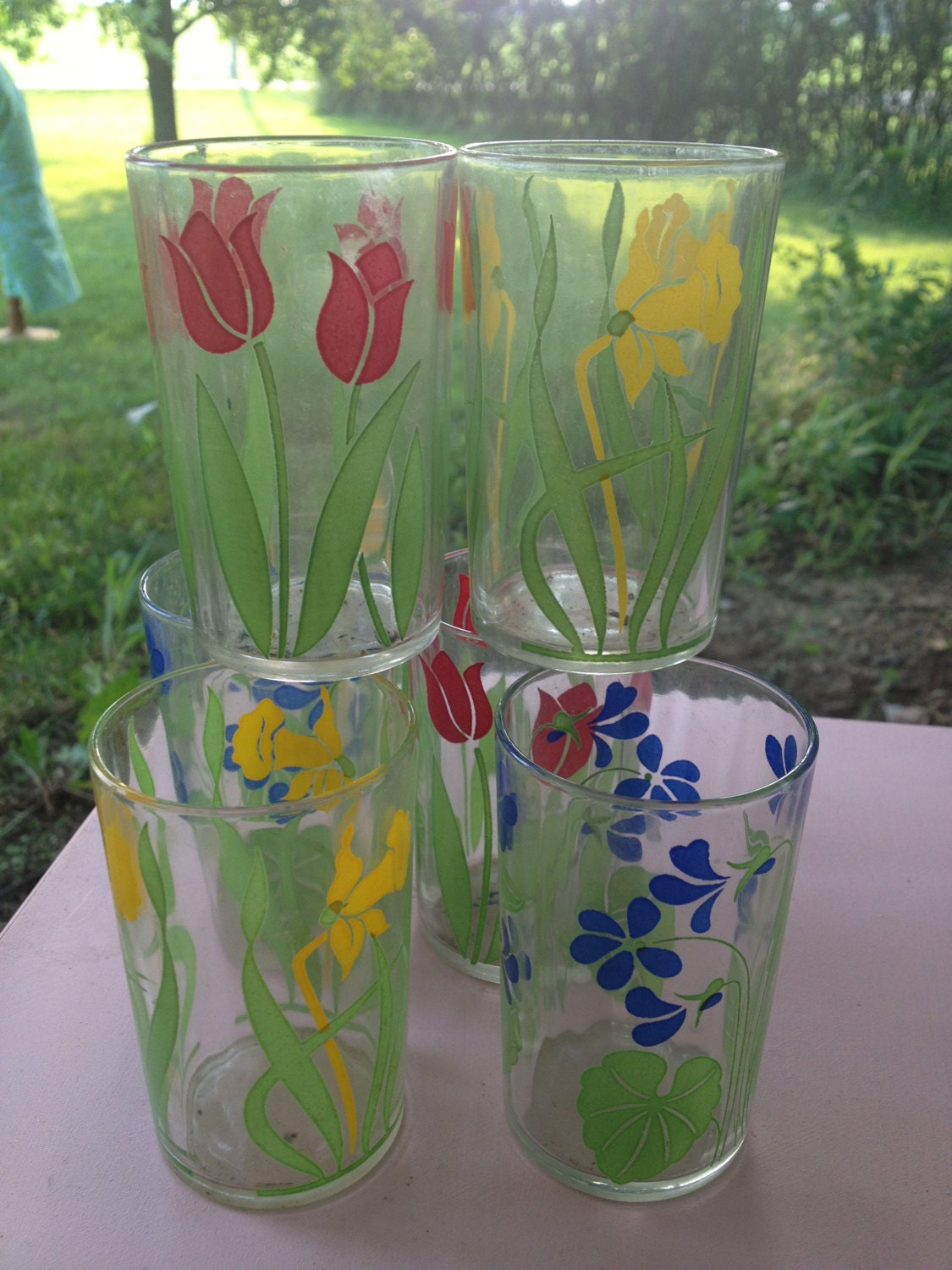 Seven Vintage Flower Themed 5oz Juice Glasses - TheChickencoopinn